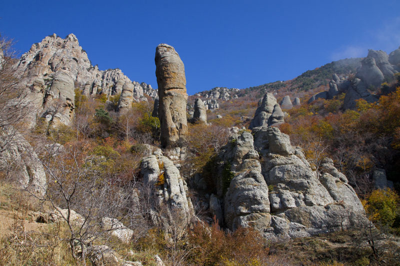 Долина привидений на склоне Демерджи в Крыму