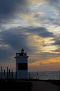 Закат у маяка в бухте Омега в Севастополе