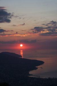 Рассвет на Ай-Петри с видом на Аю-Даг и Черное море