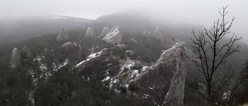 Туманные Ильяс-Кая и Храм Солнца зимой