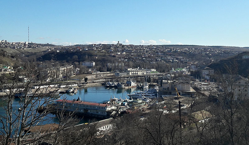 Южная бухта Севастополя с кораблями