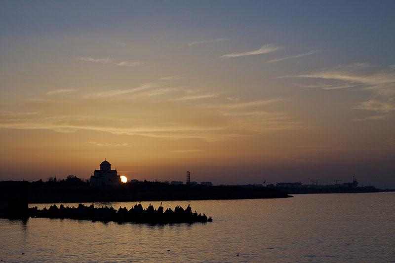 Владимирский собор в Херсонесе на закате