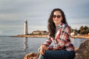 Портрет на фоне Херсонесского маяка в Севастополе