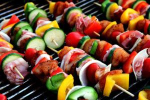 Шашлык с овощами на шампуре