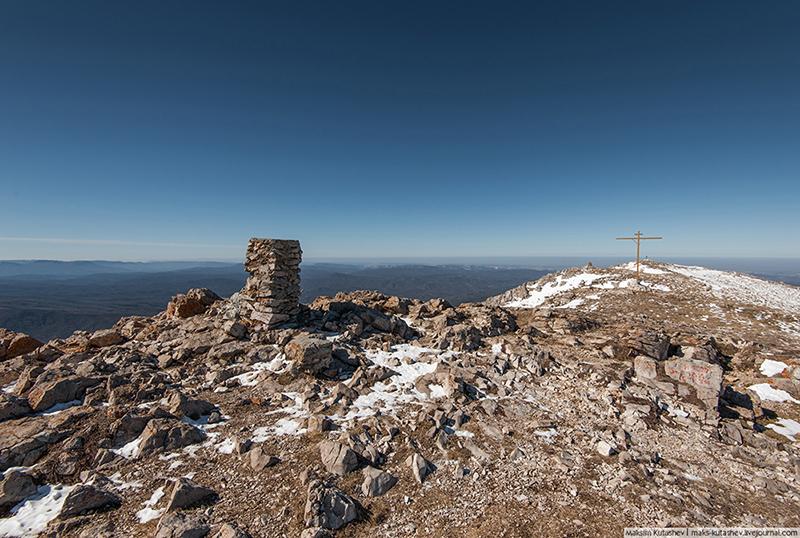 Гора Эклизи-Бурун на Чатыр-Даге в Крыму