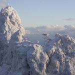 Скалы Зубцы на Ай-Петри в Крыму зимой