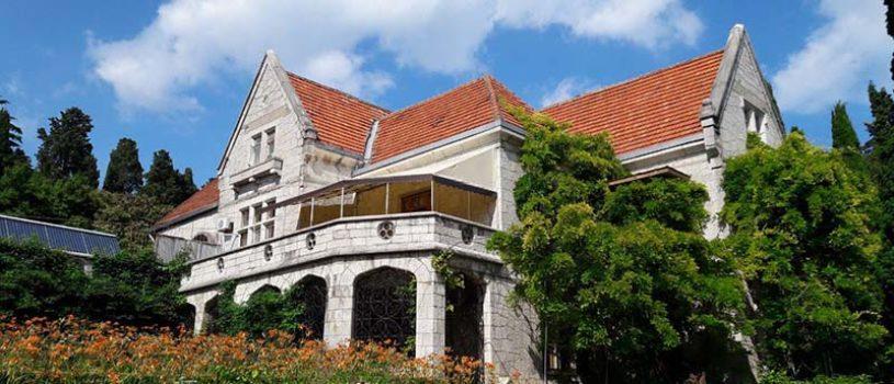 10 самых красивых дворцов Южного берега Крыма