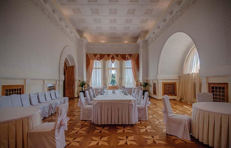 Интерьеры Юсуповского дворца в Крыму