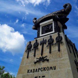 Памятник Казарскому на Матросском бульваре в Севастополе