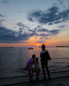 Закат на набережной Севастополя в Крыму