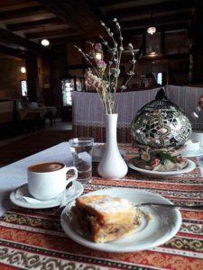 """Кофе и сладости в кафе """"Кезлев"""" в Евпатории"""