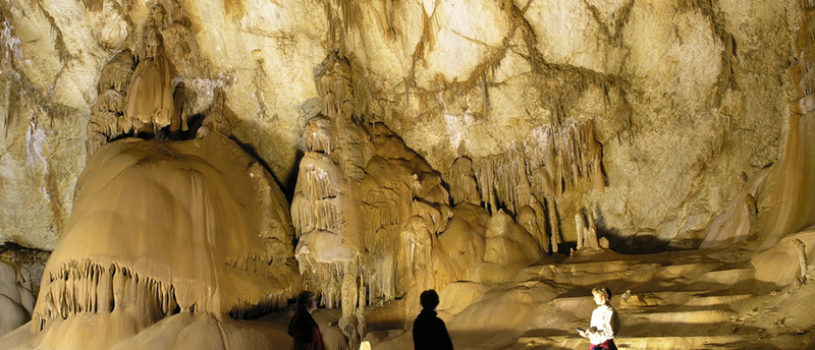 Самые красивые и популярные пещеры Крыма
