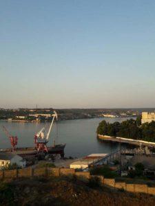 Вид на Севастопольскую бухту с Первого бастиона на Корабельной стороне Севастополя