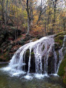 Водопады в ущелье Хапхал в Крыму