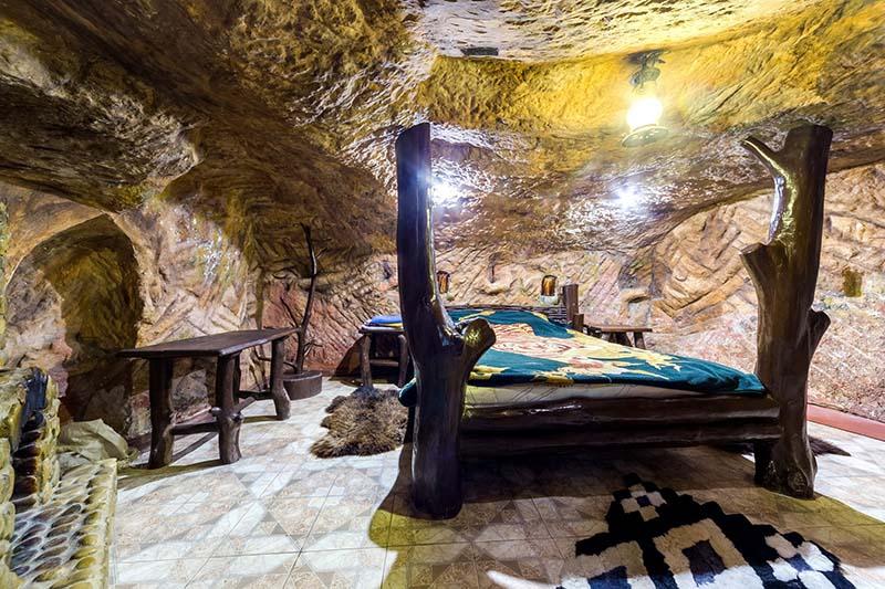 Гостиница с номерами в пещерах