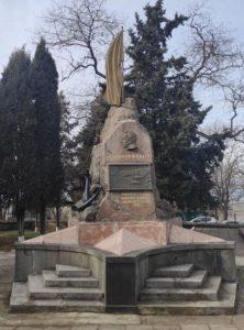 Могила лейтенанта Шмидта в Севастополе